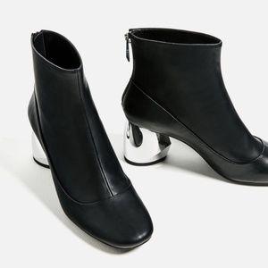 Zara silver mirror block design black booties 38
